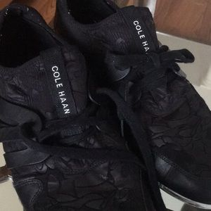 Come Haan Black Knit Leather Sneaker 9.5 Floral